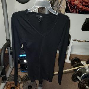 H&M black 3/4 sleeves v neck sweater